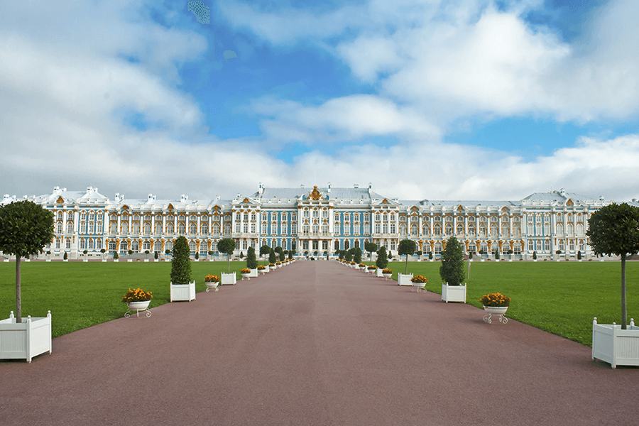 Pietarin ympäristön palatsit