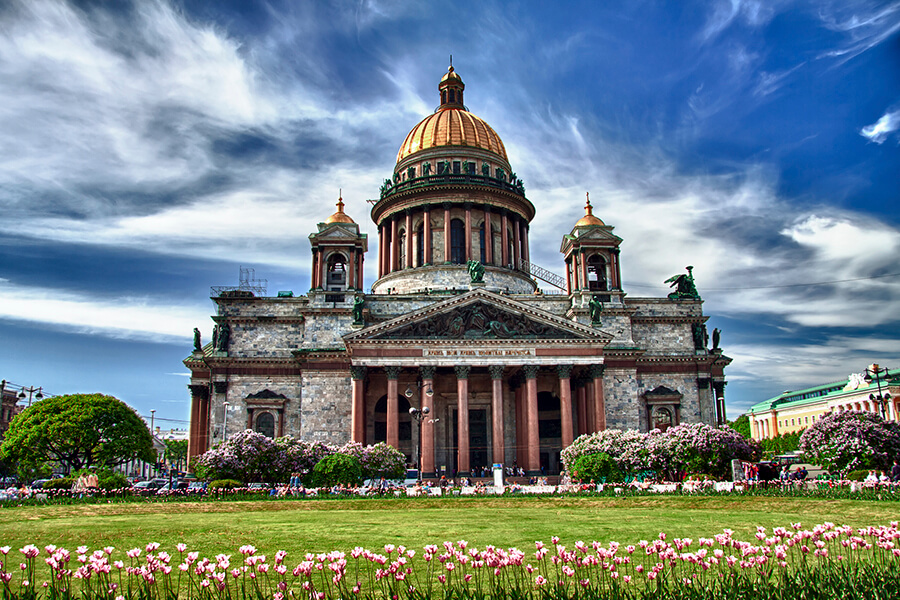 Visa-free cruises to St.Petersburg