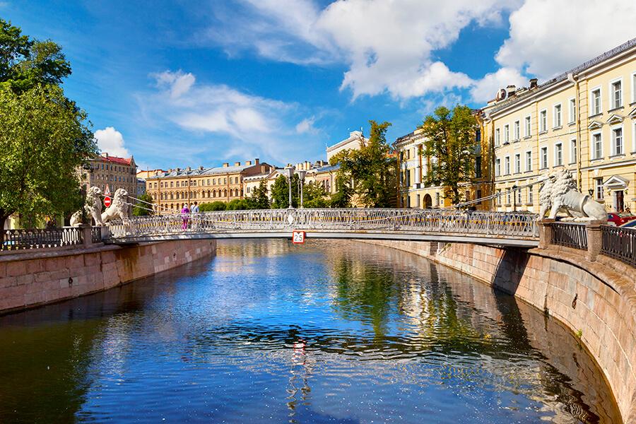 Visa-free cruises to St.Petersburg